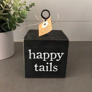 Happy Tail Block Photo Clip